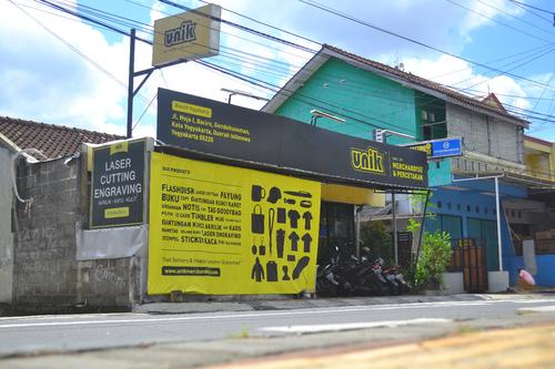 Kantor UNIK Merchandise Yogyakarta Souvenir Komunitas